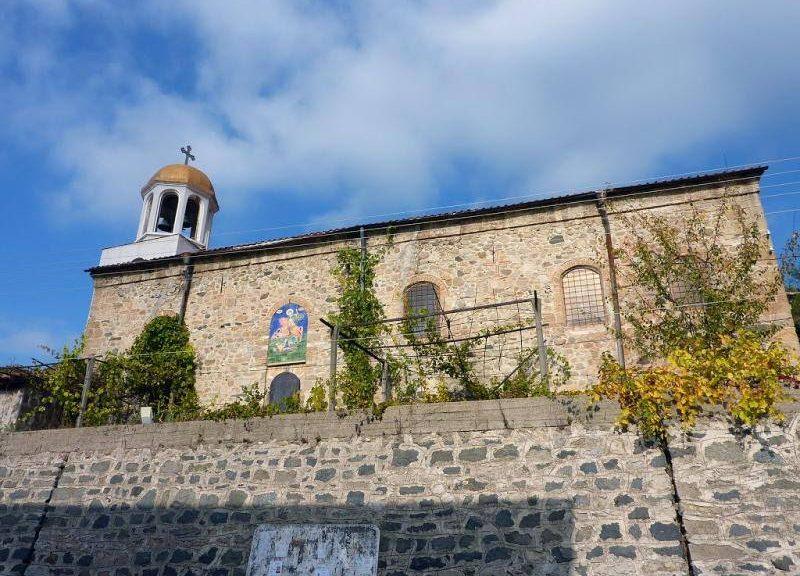 """Снимка на храм """"Св. вмчк Димитър Солунски"""", с. Брежани"""